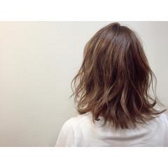 外国人風 アッシュ ミディアム ナチュラル ヘアスタイルや髪型の写真・画像