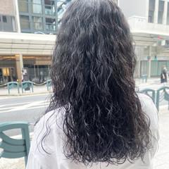 ナチュラル デジタルパーマ ゆるふわパーマ スパイラルパーマ ヘアスタイルや髪型の写真・画像