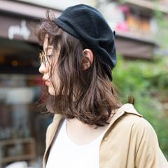 外国人風 くせ毛風 オン眉 ミディアム ヘアスタイルや髪型の写真・画像