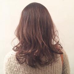 レイヤーカット 大人かわいい ゆるふわ ハイライト ヘアスタイルや髪型の写真・画像