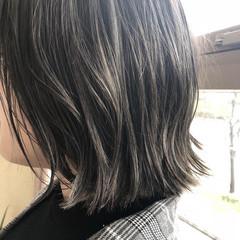 ナチュラル グレージュ バレイヤージュ アッシュグレージュ ヘアスタイルや髪型の写真・画像