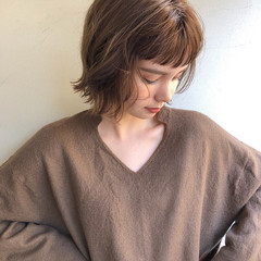 ショートヘア ベージュ 外国人風カラー ナチュラル ヘアスタイルや髪型の写真・画像
