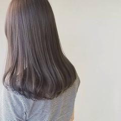 大人女子 ナチュラル ミルクティーグレージュ セミロング ヘアスタイルや髪型の写真・画像