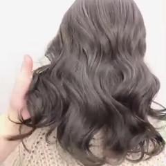 ナチュラル アッシュグレージュ イルミナカラー 透明感カラー ヘアスタイルや髪型の写真・画像