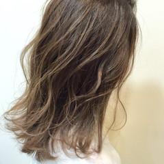 アッシュ おフェロ グレージュ 透明感 ヘアスタイルや髪型の写真・画像