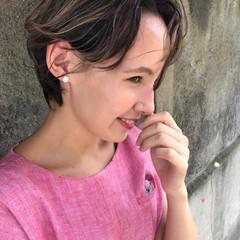 ショート 抜け感 上品 ハイライト ヘアスタイルや髪型の写真・画像