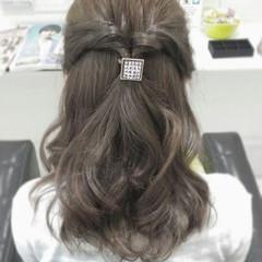 ショート ミディアム イルミナカラー 編み込み ヘアスタイルや髪型の写真・画像