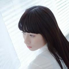 セミロング 透明感 フェミニン ふわふわ ヘアスタイルや髪型の写真・画像