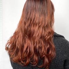 バレイヤージュ ロング グラデーションカラー フェミニン ヘアスタイルや髪型の写真・画像