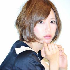 外国人風 ナチュラル 前髪あり グラデーションカラー ヘアスタイルや髪型の写真・画像
