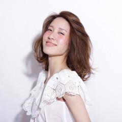 大人かわいい コンサバ ミディアム ハイライト ヘアスタイルや髪型の写真・画像