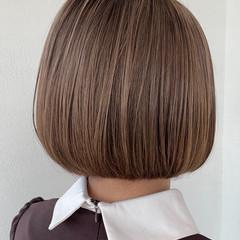 ミルクティーベージュ ハイトーンカラー ダブルカラー ブリーチカラー ヘアスタイルや髪型の写真・画像