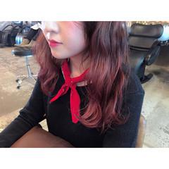 レッド ピンク グラデーションカラー ロング ヘアスタイルや髪型の写真・画像
