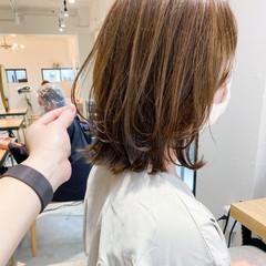 アンニュイほつれヘア ミディアム ナチュラル デート ヘアスタイルや髪型の写真・画像