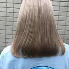 グレージュ ベージュ アッシュ ミディアム ヘアスタイルや髪型の写真・画像