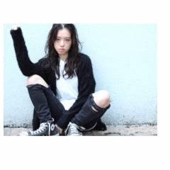 ウェーブ ストリート ストレート 暗髪 ヘアスタイルや髪型の写真・画像