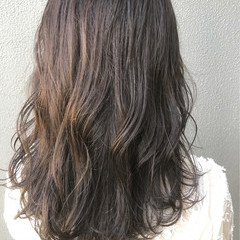 大人女子 暗髪 フェミニン ミディアム ヘアスタイルや髪型の写真・画像