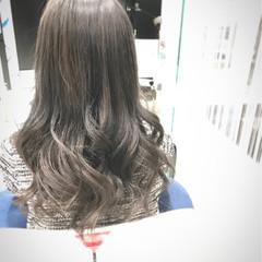 ロング ガーリー アッシュ 暗髪 ヘアスタイルや髪型の写真・画像