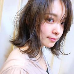 フェミニン ボブ グレージュ ミルクティーグレージュ ヘアスタイルや髪型の写真・画像