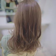 ヨシンモリ ブラウンベージュ 大人ロング ミルクティーベージュ ヘアスタイルや髪型の写真・画像