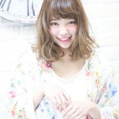フェミニン ハイライト グラデーションカラー 外国人風 ヘアスタイルや髪型の写真・画像