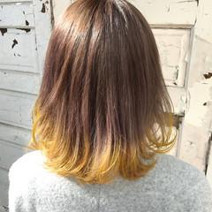 ブラントカット ミディアム ダブルカラー ブリーチカラー ヘアスタイルや髪型の写真・画像