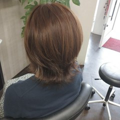 ウルフカット ミディアム ラベンダーアッシュ ラベンダーグレージュ ヘアスタイルや髪型の写真・画像