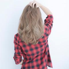 グレージュ 外国人風 ストリート アッシュ ヘアスタイルや髪型の写真・画像
