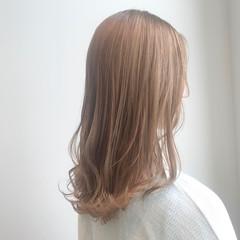 ナチュラル セミロング ベージュ ブリーチなし ヘアスタイルや髪型の写真・画像