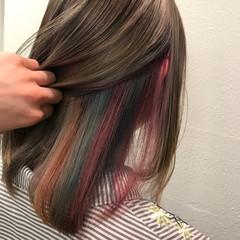 透明感 アッシュベージュ グレージュ ミディアム ヘアスタイルや髪型の写真・画像