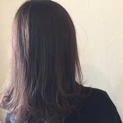 冬 外国人風 アッシュ ミディアム ヘアスタイルや髪型の写真・画像