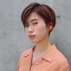オレンジ モード ショートボブ インナーカラー ヘアスタイルや髪型の写真・画像