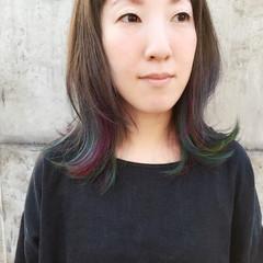 前髪あり セミロング インナーカラー ストリート ヘアスタイルや髪型の写真・画像