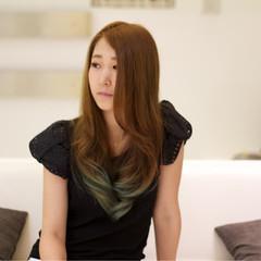 アッシュ グラデーションカラー パーマ フェミニン ヘアスタイルや髪型の写真・画像