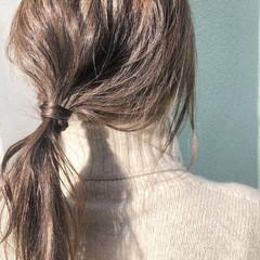 アンニュイほつれヘア ヘアアレンジ 簡単ヘアアレンジ オフィス ヘアスタイルや髪型の写真・画像