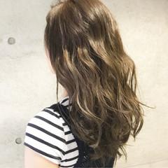 アッシュ ミディアム ナチュラル ブラウン ヘアスタイルや髪型の写真・画像