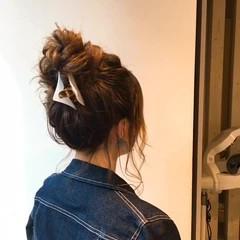 イルミナカラー お団子 上品 ミディアム ヘアスタイルや髪型の写真・画像