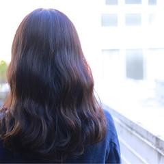 ミディアム グラデーションカラー アッシュ ナチュラル ヘアスタイルや髪型の写真・画像