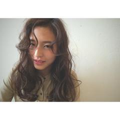大人かわいい パーマ セミロング ハイライト ヘアスタイルや髪型の写真・画像
