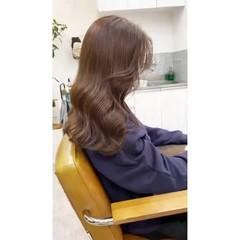 ロング アッシュベージュ ミルクティーベージュ ベージュ ヘアスタイルや髪型の写真・画像