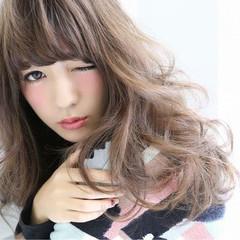 丸顔 セミロング ガーリー フェミニン ヘアスタイルや髪型の写真・画像