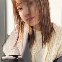 ストレート ミディアム インナーカラー ミディアムヘアー ヘアスタイルや髪型の写真・画像