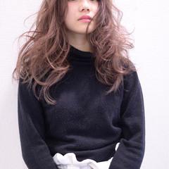 外国人風 レイヤーカット パーマ グラデーションカラー ヘアスタイルや髪型の写真・画像
