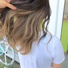 ストリート セミロング ミルクティーベージュ ミルクベージュ ヘアスタイルや髪型の写真・画像