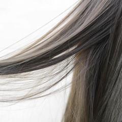ロング オリーブグレージュ ナチュラル 透明感カラー ヘアスタイルや髪型の写真・画像