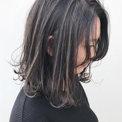 大人かわいい ボブ ハイライト イルミナカラー ヘアスタイルや髪型の写真・画像