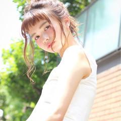 フェミニン 簡単ヘアアレンジ ヘアアレンジ リラックス ヘアスタイルや髪型の写真・画像