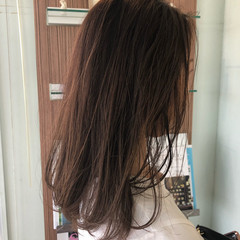 セミロング ナチュラル アンニュイほつれヘア レイヤーカット ヘアスタイルや髪型の写真・画像