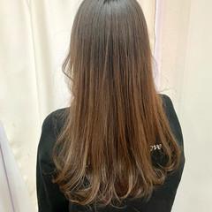 透明感カラー グラデーションカラー アッシュグレージュ ナチュラル ヘアスタイルや髪型の写真・画像