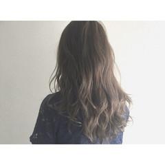 ゆるふわ グレージュ アッシュ セミロング ヘアスタイルや髪型の写真・画像